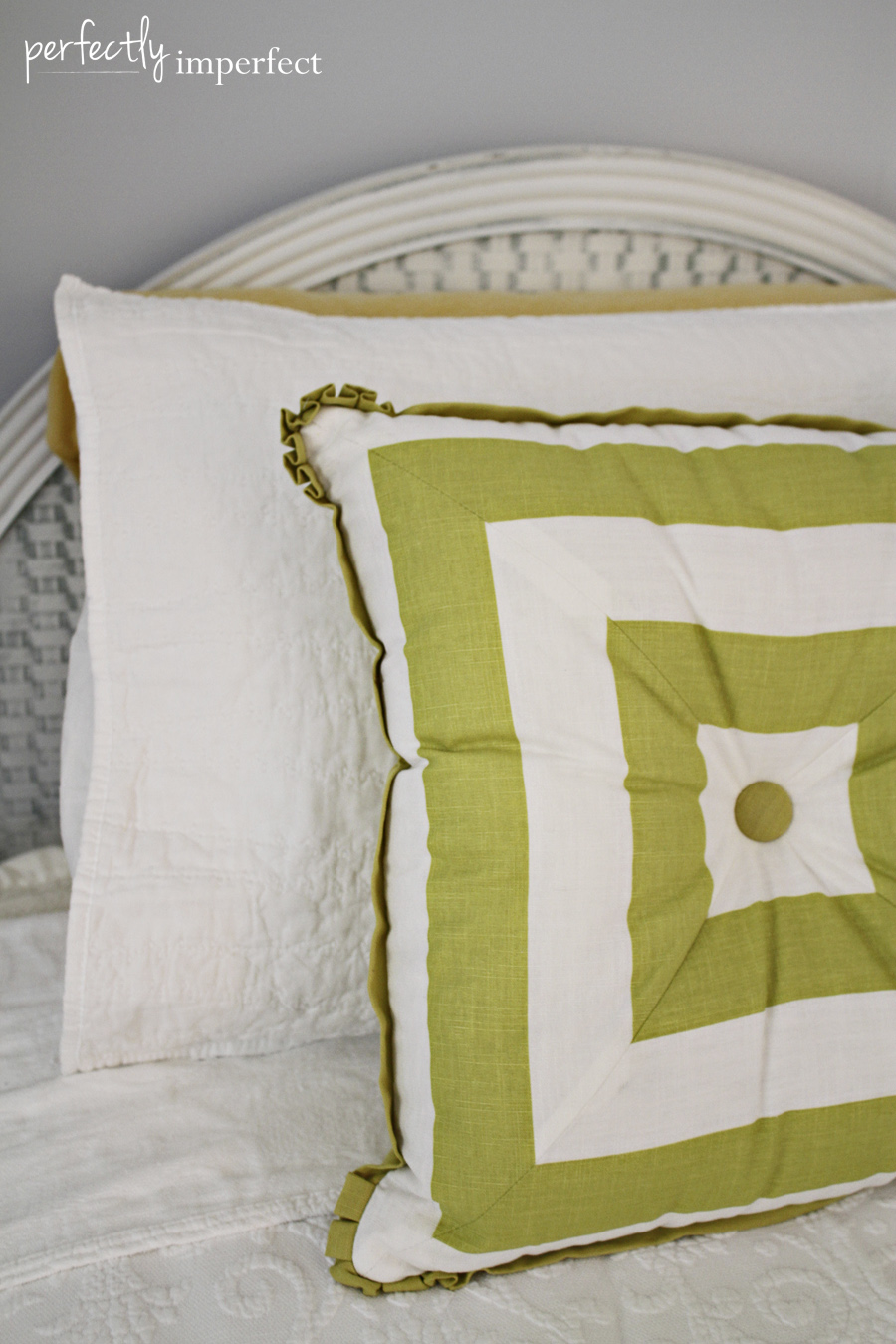 green_pillow_vintage_bedspread