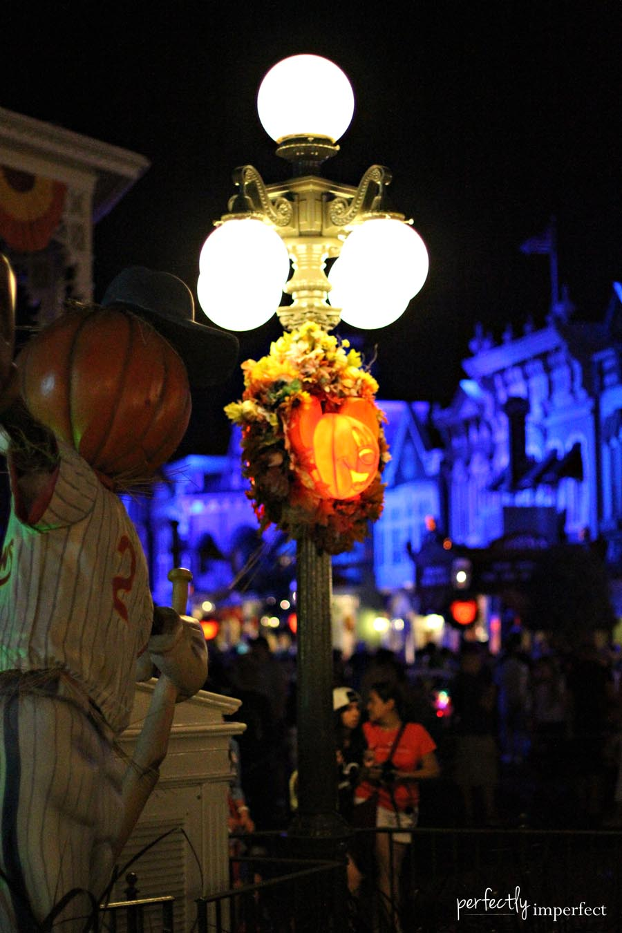 Mickey's Not So Scary Halloween Party sm
