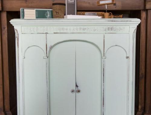Mint Green Cabinet & Southern Hooker