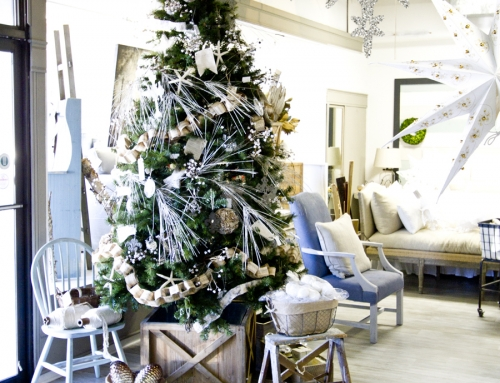 Shop Christmas Displays Peek & a Sale for You…
